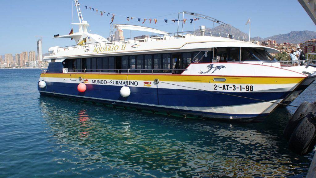 Boat to Benidorm Island - Mundo Submarino