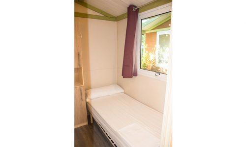 habitación doble en cabaña de madera