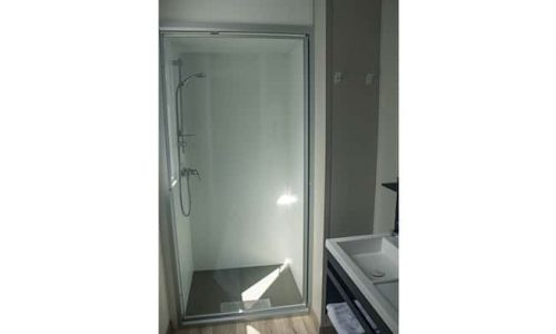 cabina de ducha extra grande del bungalow resort Armanello XL