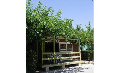 Exterior de bungalow cercano a la piscina 2