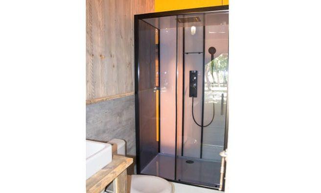 Cabina de ducha en karibu
