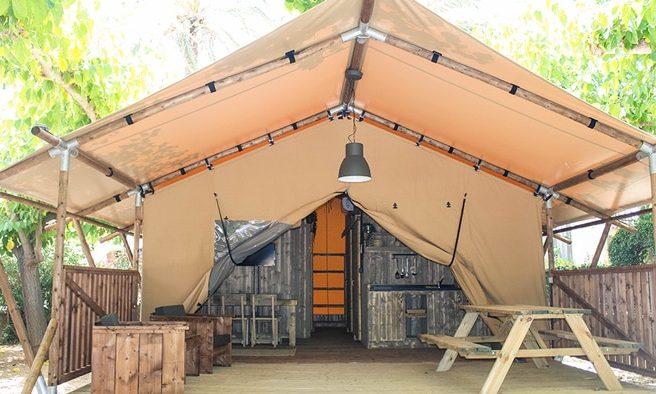 Exterior glamping safari