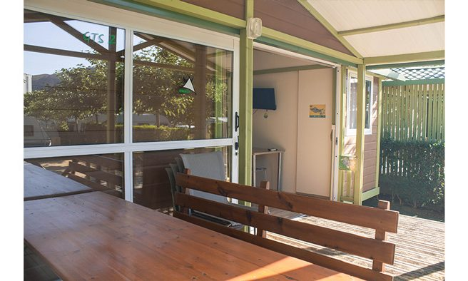 Camping armanello terraza bungalow samoa 1