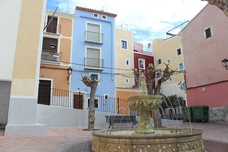 Villajoyosa old town square