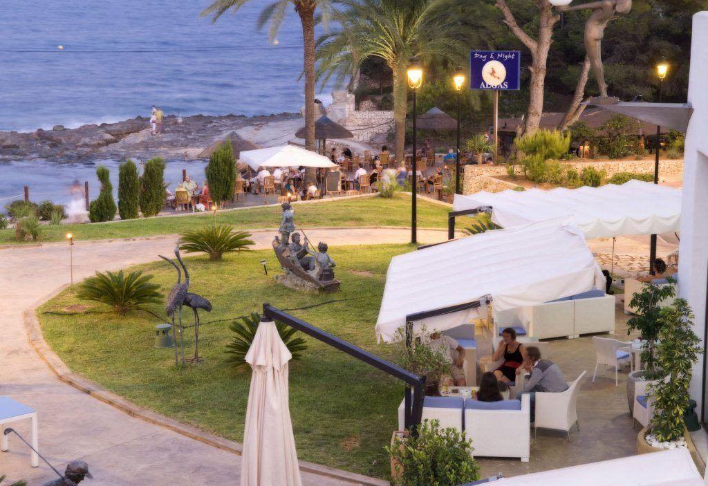 Cafe del mar i benissa, en by på alicante-kysten
