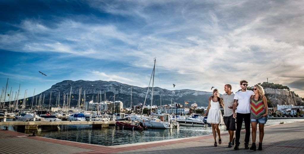 Alicante by med kyst, denia