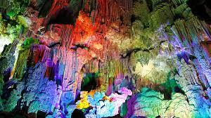 Lichten in de grotten van canelobre