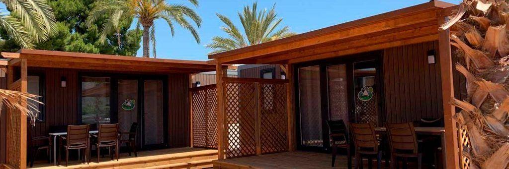 Utsikt over bungalowene på feriestedtypen på camping armanello benidorm