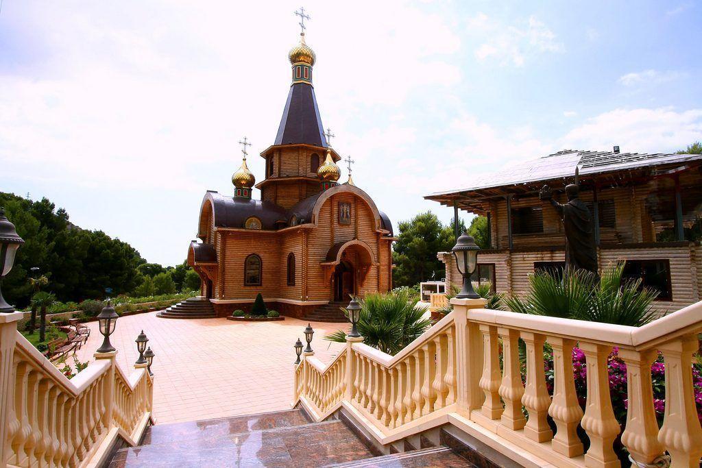 Chiesa ortodossa russa di san michele arcangelo ad altea