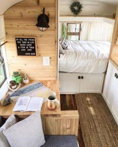 Interni gezelligenti in caravan gerenoveerde