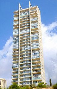 Bâtiment miragolf playa 2, l'un des triplets de gratte-ciel de benidorm
