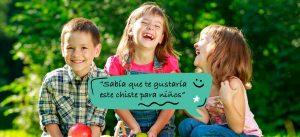Niños riendose de un chiste