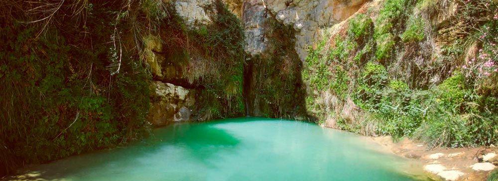 Salt de xixona, una de las piscinas naturales en alicante más concurridas