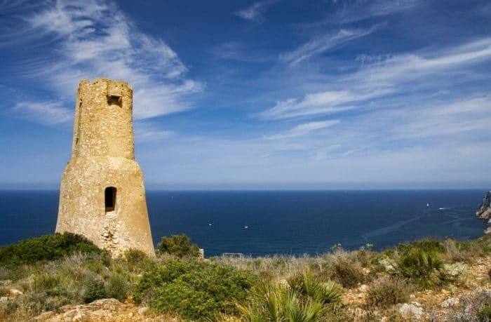 Torre del gerro entre dénia et jávea / xàbia