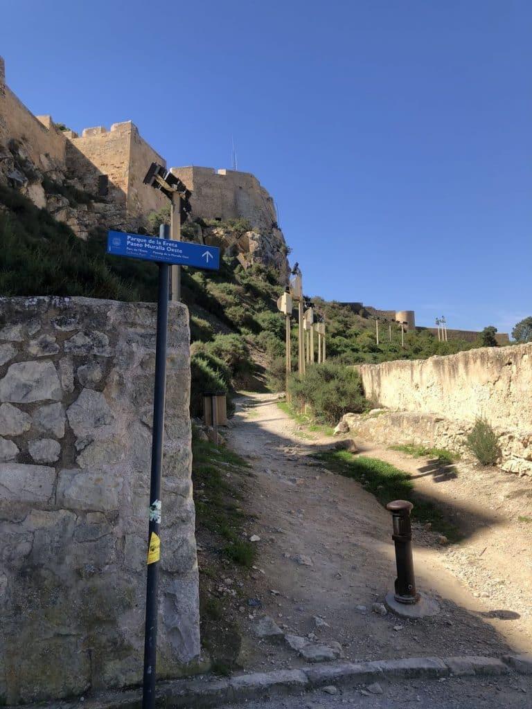 Paseo muralla oeste santa barbara